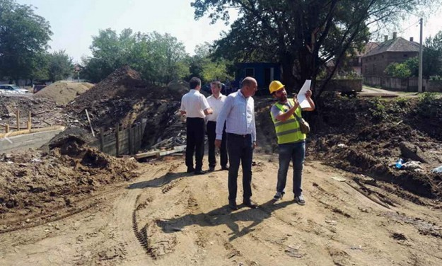 Gradonačelnik Bane Spasović obišao radove 4454
