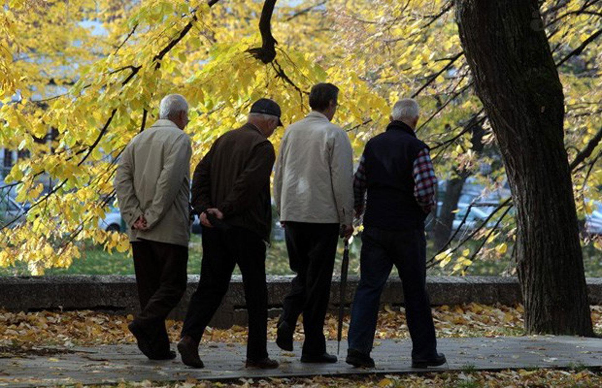 U ponedeljak jednokratna pomoć svim penzionerima 4982