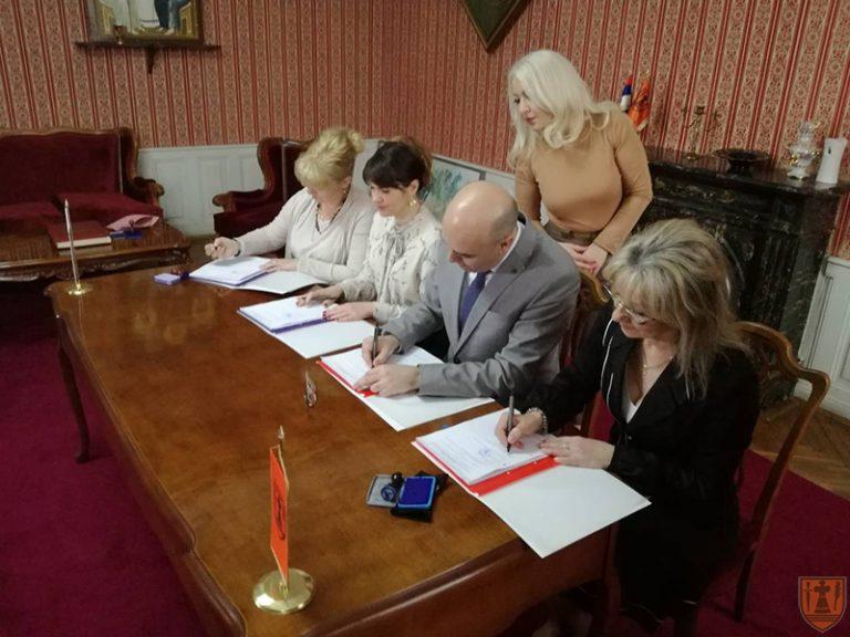 Potpisani kolektivni ugovori sa reprezentativnim sindikatima vrtića 6449