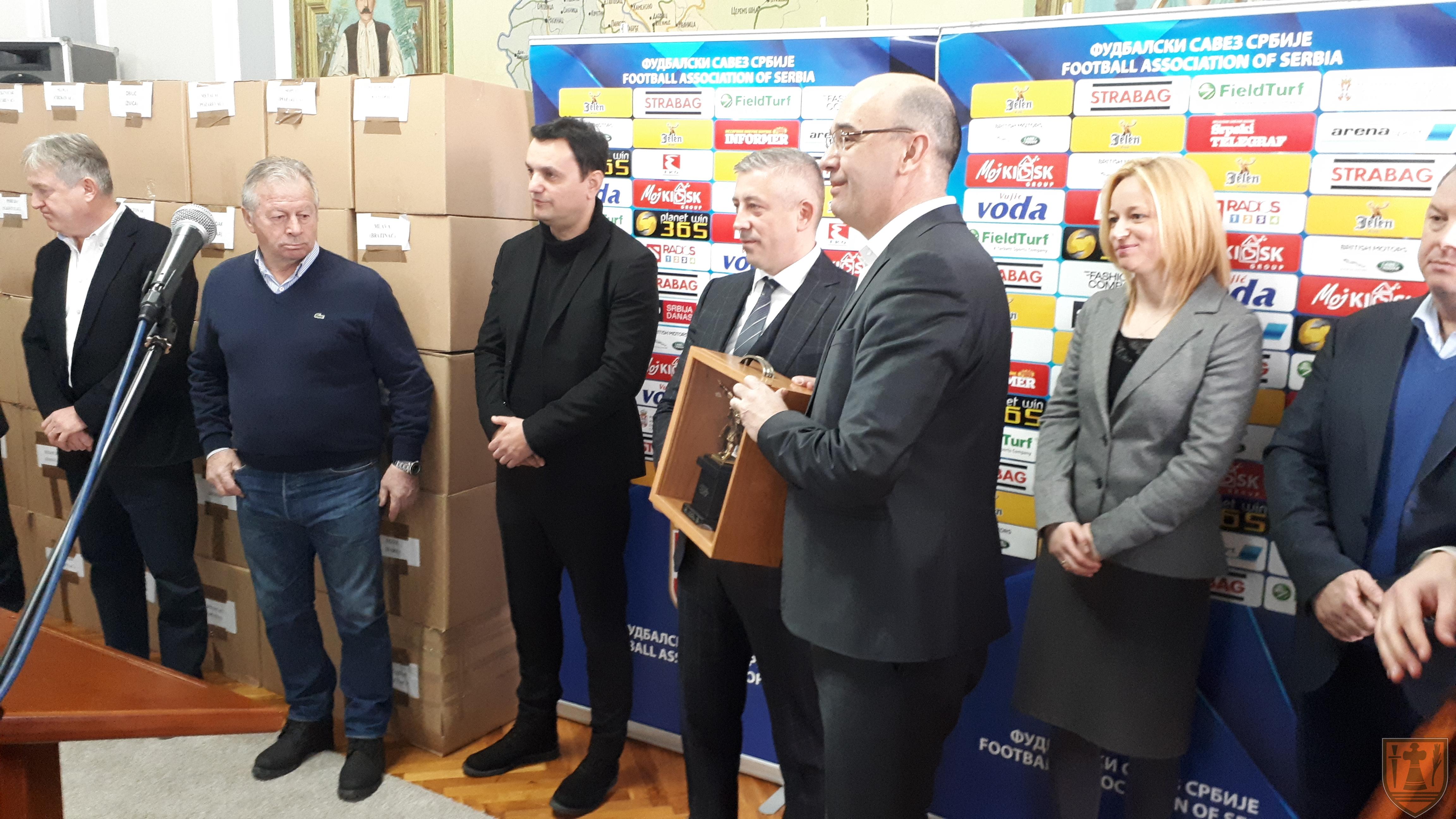 Predsednik Fudbalskog saveza Srbije Slaviša Kokeza posetio Požarevac 6272