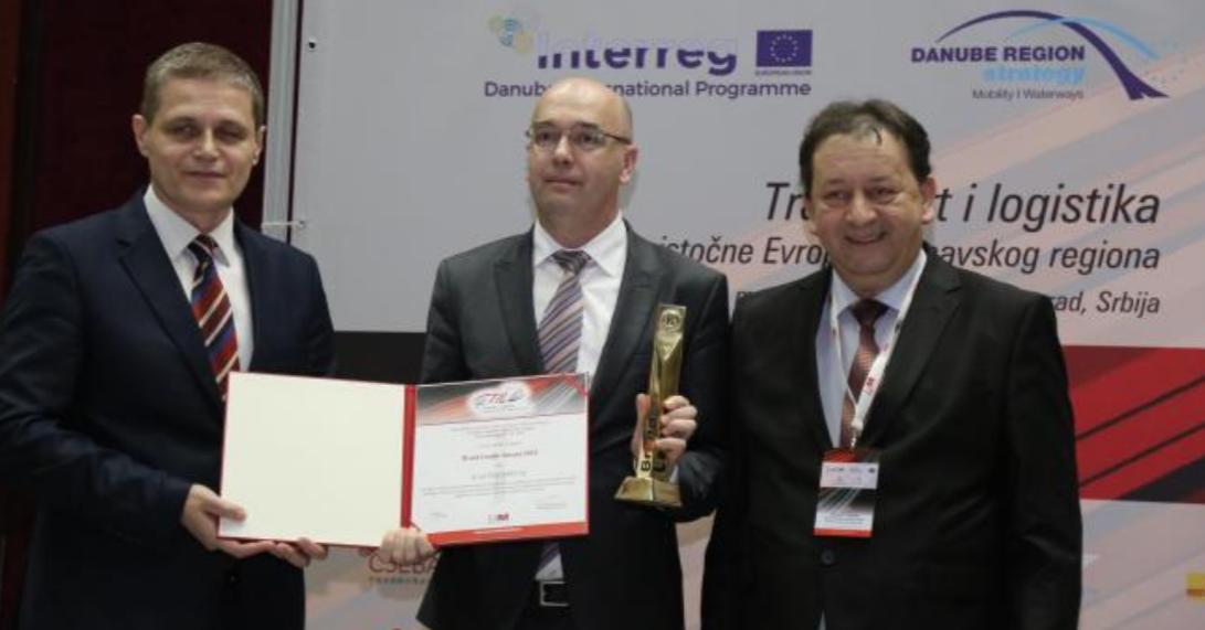 "Gradonačelnik, u ime grada, dobio nagradu ""Brand Leader Award"" 6523"