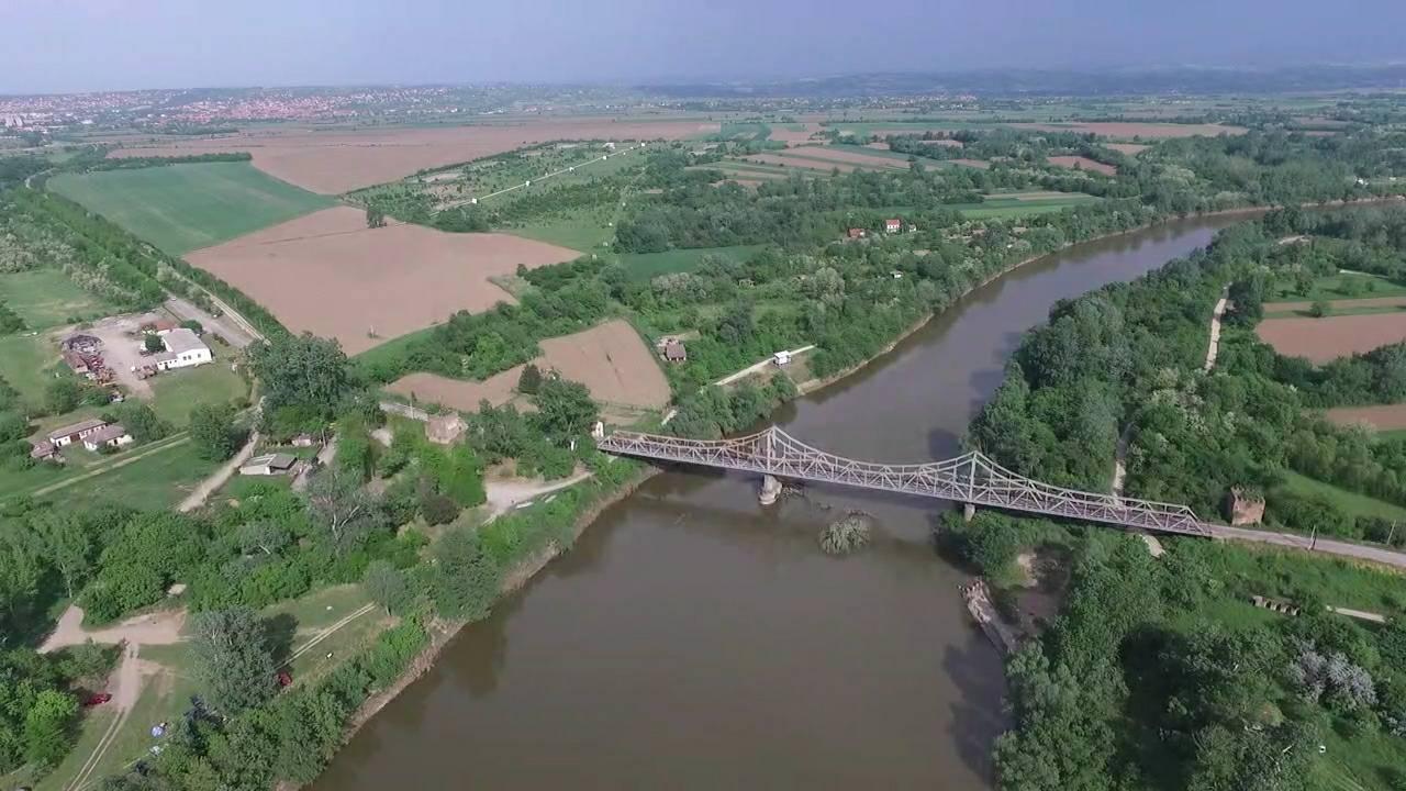 Velika Morava kod Ljubičevskog mosta, porasla za 4,5 metara 37674