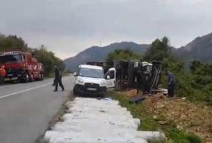 Saobraćajna nesreća: Prevrnuo se šleper kod Golupca 8540