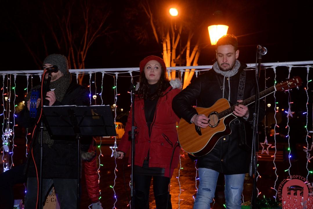 Otvoren po prvi put NOVOGODIŠNjI VAŠAR u Gradskoj opštini Kostolac(FOTO) 12462