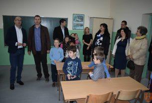 Otvoreno renovirano istureno odeljenje škole Vuk Karadžić u Zabeli 12531