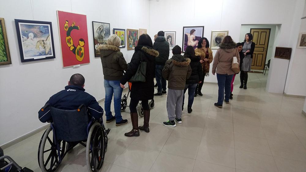 Centar za dnevni boravak dece i omladine ometene u razvoju posetili Galeriju savremene umetnosti u Požarevcu 14006