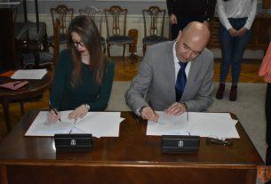Potpisani ugovori o stipendiranju sa 59 studenata sa teritorije Grada Požarevca 14430