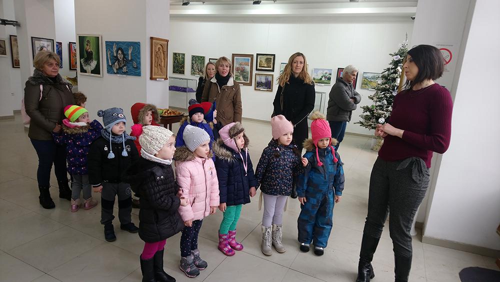 Dece iz vrtića posetila Galeriju savremene umetnosti u Požarevcu FOTO 13806
