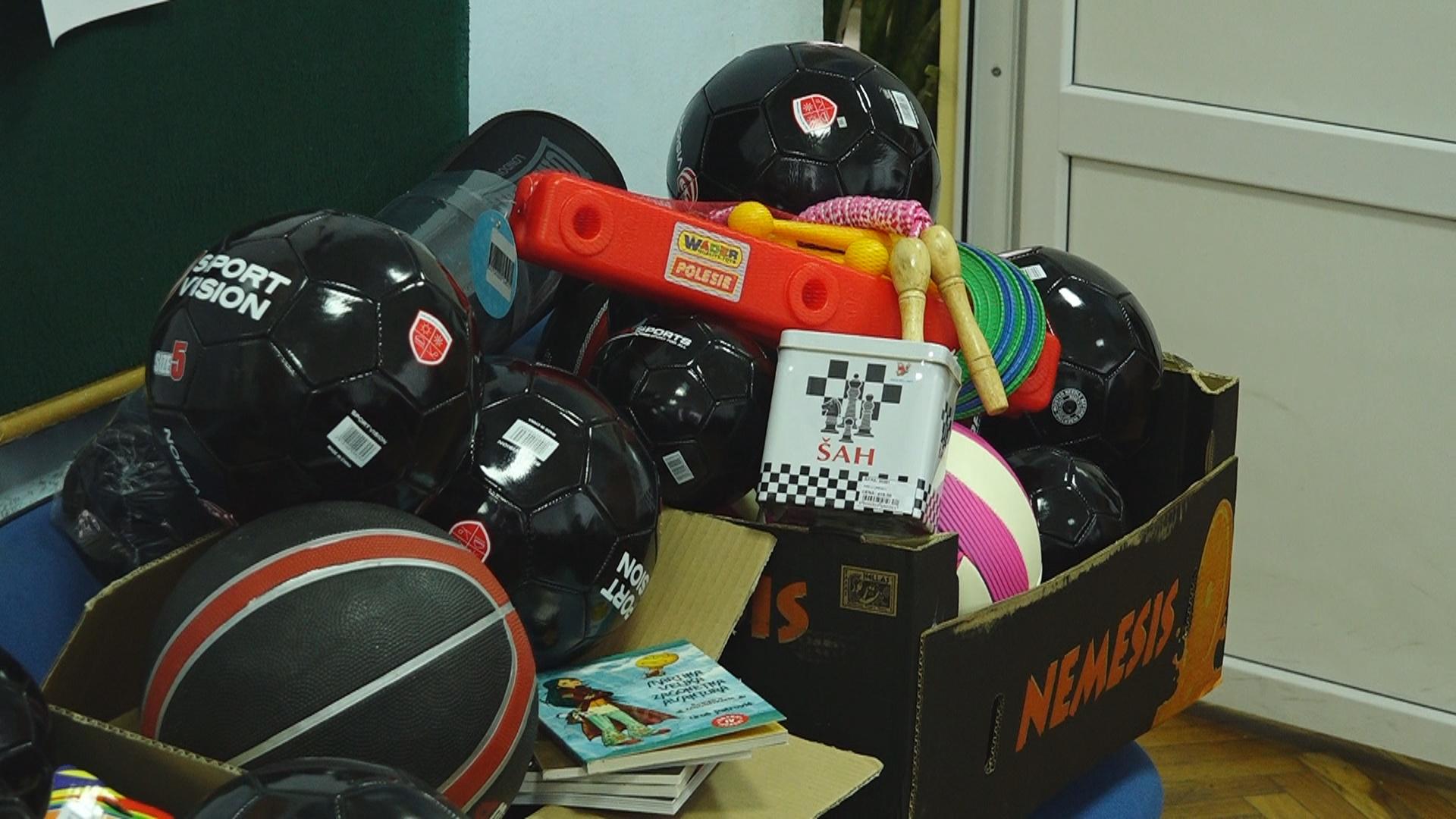 Nastavna sredstva i lopte  za učenike osnovnih škola 13676