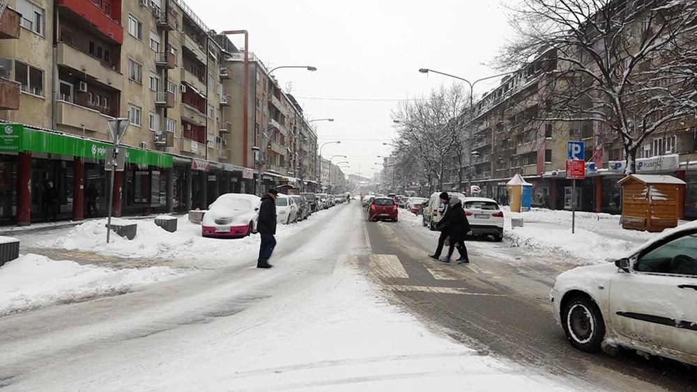 UPOZORENJE RHMZ Stiglo zahlađenje, širom Srbije jak olujni vetar, očekuje se snežni pokrivač visine i do 20 CENTIMETARA 29422