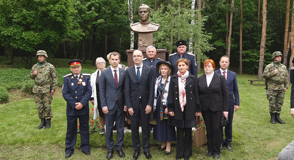 Obeležen Dan pobede nad fašizmom u Požarevcu i otkriven spomenik maršalu Žukovu na Čačalici FOTO 18123