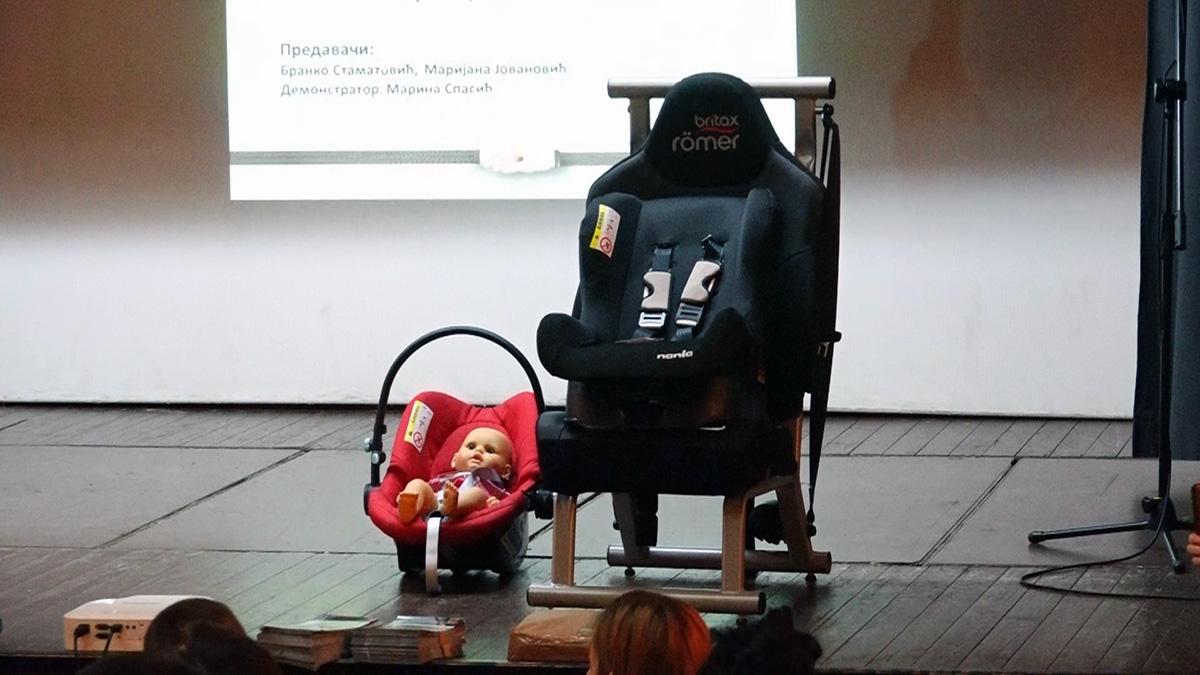 Grad Požarevac: Podeljeno 140 dečijih auto-sedišta 18348