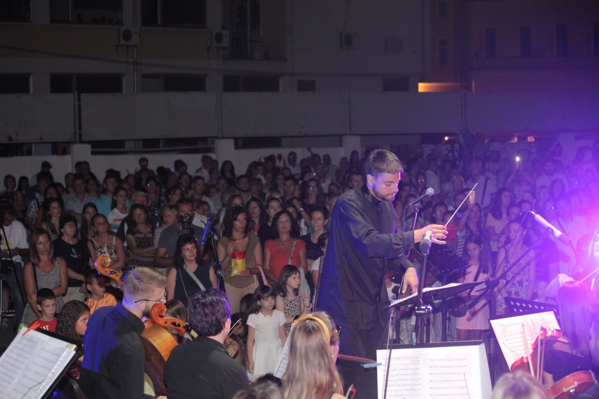 """Koncert simfonijskog orkestra """"Gvardia"""" održan sinoć dvorištu Politehničke škole 22739"""