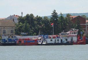 Obustavljena plovidba Dunavom kod Velikog Gradišta zbog jakog vetra 32566