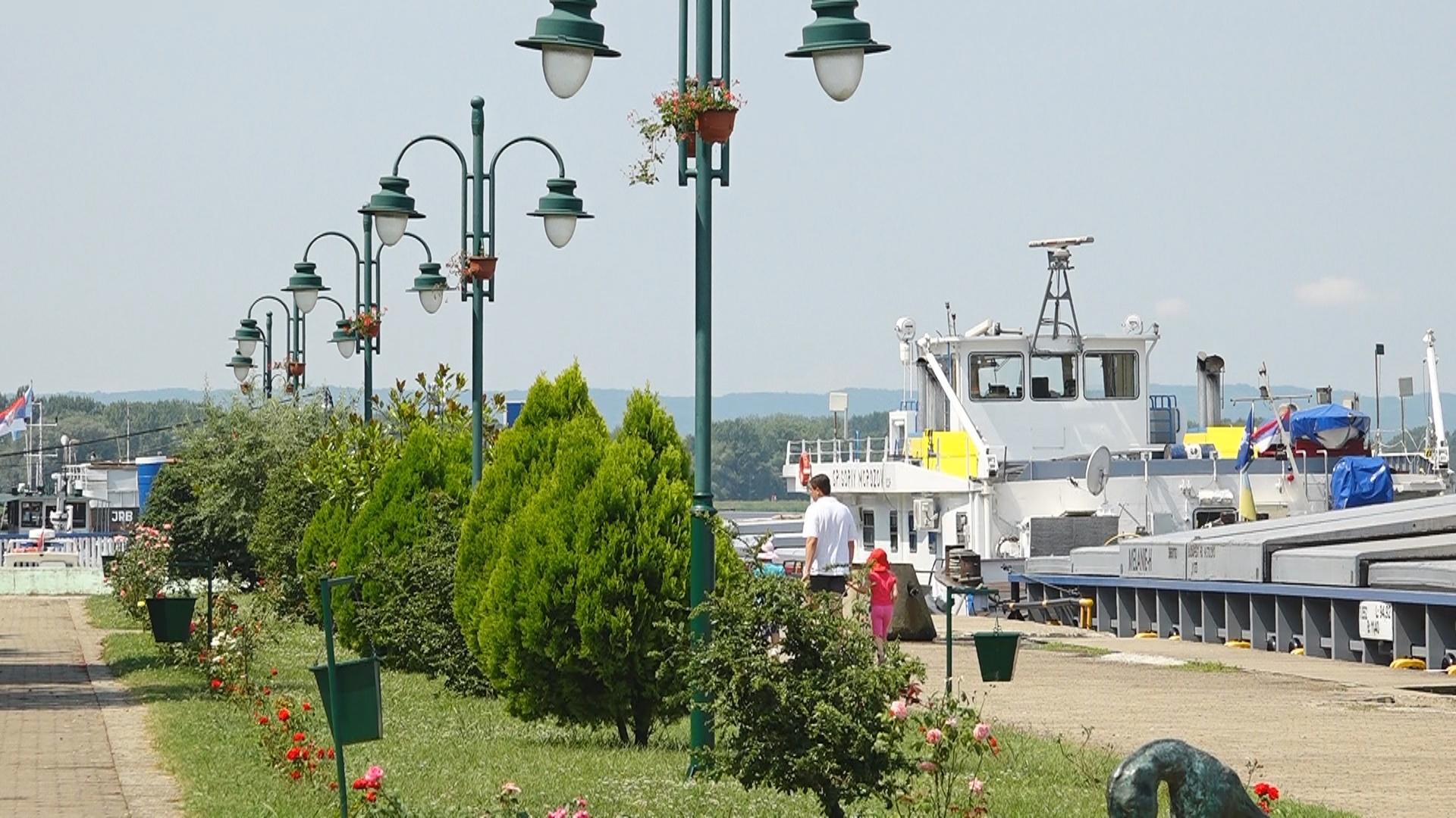 Veliko Gradište: Sprečen šverc 7.500 tona nafte 23328