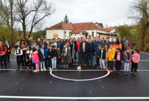 "Osnovna škola ""Sveta Mihajlović"", dobila novi sportski teren 25645"