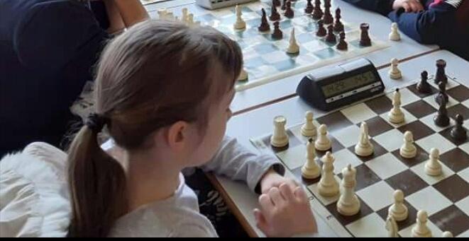 """Kadetski serijal rapid turnira u šahu """"Najbolji potez"""" odigran je u Paraćinu 26269"""