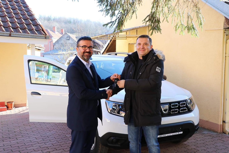 Dom zdravlja Žabari dobio novo terensko vozilo 27038