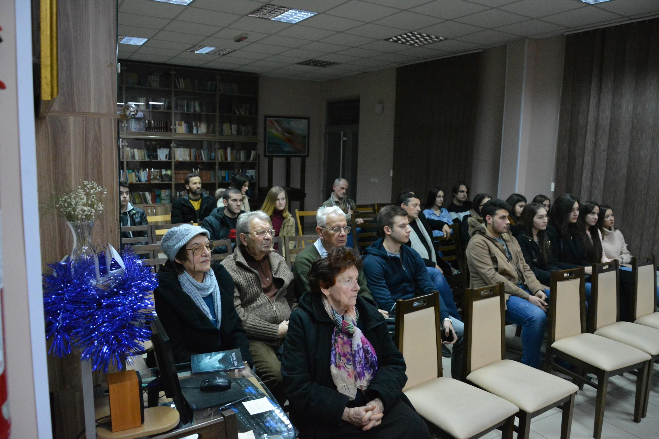 """Promocija pesničke zbirke """"Tražeći sebe"""" Jovane Kokoresković 28164"""