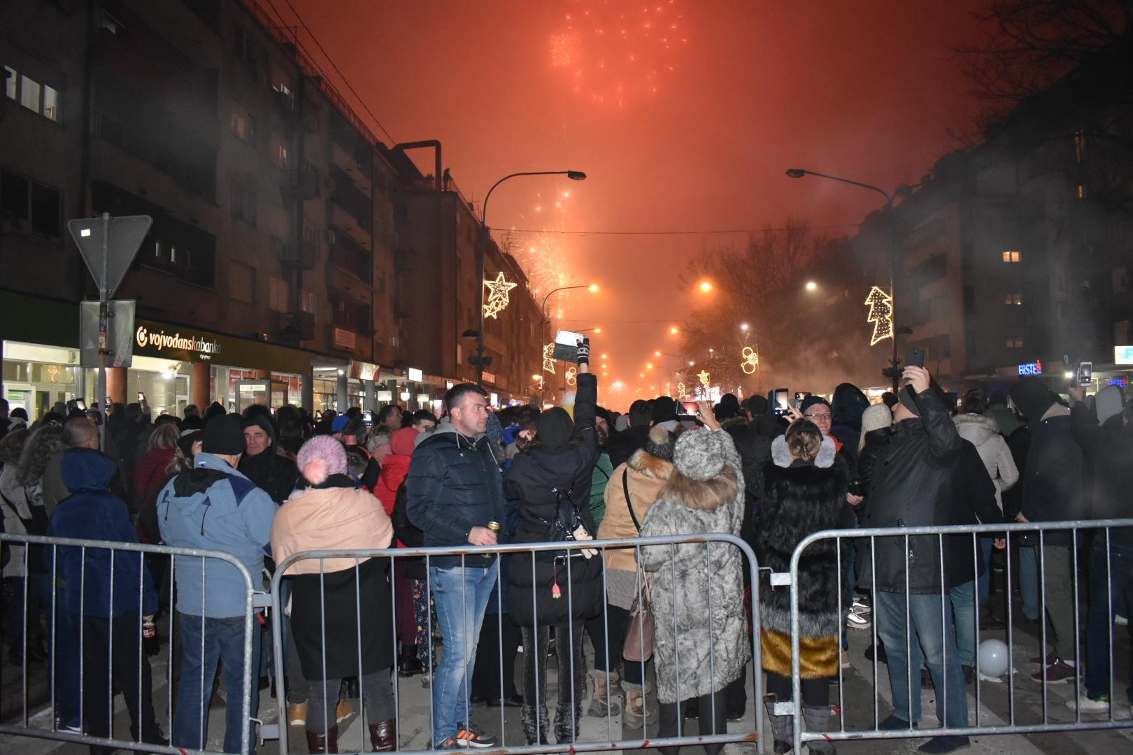 """Požarevljani proslavili pravoslavnu Novu godinu uz """"Gvardiju"""" i """"Novi zvučni talas"""" 28074"""