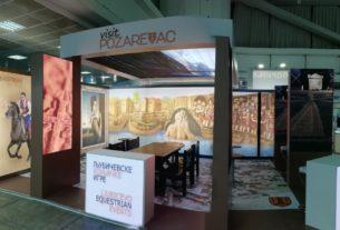 Štand Turističke organizacije Grada Požarevca spreman za posetioce sajma 5