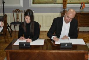 Potpisani ugovori o stipendijama sa studentima sa teritorije Grada Požarevca 29538