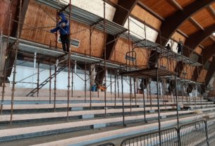Započeta rekonstrukcija sportske hale u Kostolcu 30070