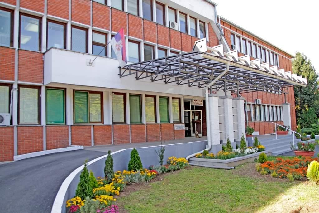 Korona bukti u prestonici, BOLNICE PREPUNE, ekipe Hitne pomoći pacijente iz Beograda VOZE U PETROVAC NA MLAVI! 44437