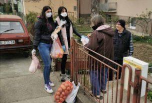 Volonteri Grada Požarevca pomažu najstarijim sugrađanima 32535