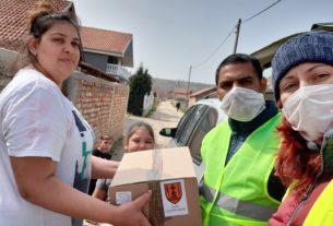 Volonteri delili pomoć socijalno ugroženima sa teritorije Gradske opštine Kostolac 32703