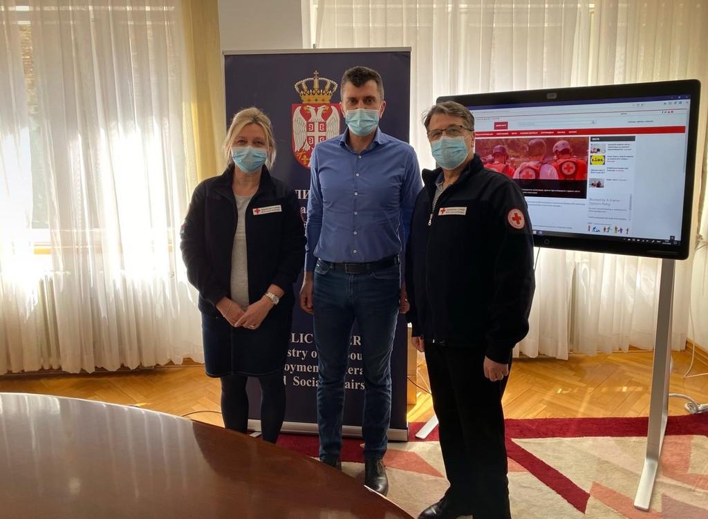 Crveni krst donira 50.500 paketa romskim naseljima 34326