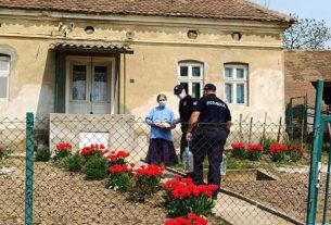 Pomoć policajaca starijim sugrađanima 34339