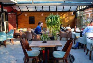 Udruženje ugostitelja objavilo je vodič sa nizom sigurnosnih mera koje će pomoći vlasnicima kafića i restorana kada se ponovo otvore 34821