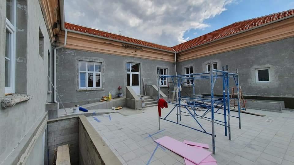 """Rekonstrukcija i sanacija objekta osnovne škole """"Brana Paunović"""" Rašanac (Foto) 35362"""