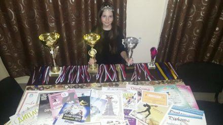 Magdalena Ilić ponosni nosilac 4 pehara i više od 30 medalja na brojnim takmičenjima! 36038