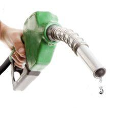 Litar goriva i dalje skuplji od jednog evra 35602