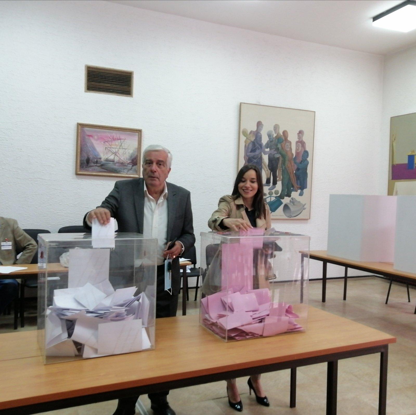 Slobodan Jović, direktor JP Komunalne službe Požarevac, glasao na izbornom mestu broj 43 u Centru za kulturu 37366