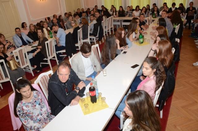 Opština Veliko Gradište nagradila uspeh najboljih đaka u školskoj 2019/2020. godini 37734