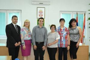 Svečani prijem vukovaca i učenika generacije kod predsednika opštine Malo Crniće 37868