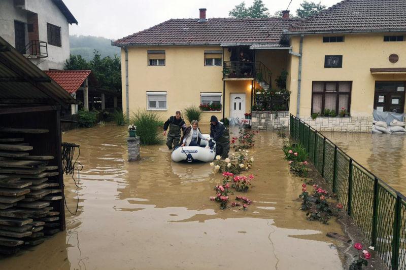 Vanredna situacija zbog poplava u devet opština 37542