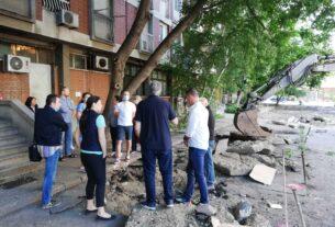 """Cisterna puna mazuta okidač nezadovoljstva građana na parkingu iza """"Lamele"""" u Požarevcu ! 38357"""