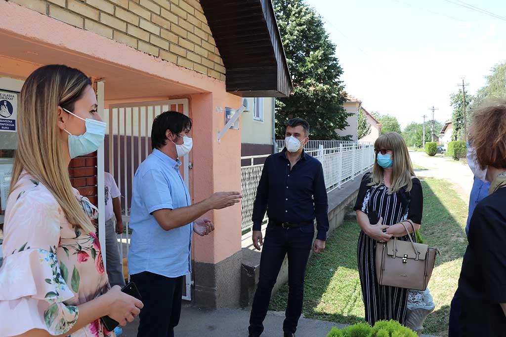 """Delegacija Ministarstva za rad, posetila Ustanovu za smeštaj starih lica """"Gvozden Jovančićević"""" u Velikom Popovcu (VIDEO) 39774"""