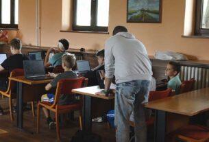 Došlo je do prvog prenošenja virusa između dece u jednoj školi u Beogradu 41561