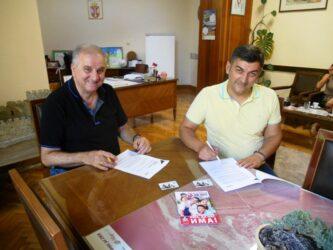 """Ponosna kartica """"Cena minus za 3+"""" ponovo na delu, višečlane porodice moraju postati češća pojava u Srbiji 41380"""