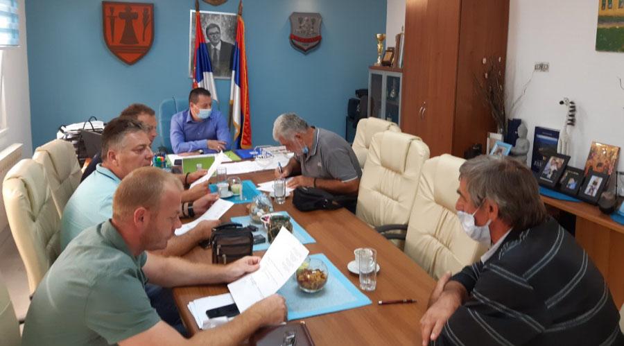 Radni sastanak sa predsednicima mesnih zajednica u kabinetu predsednika Gradske opštine Kostolac 41135