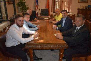 Predstavnici lokalnih jedinica Braničevskog okruga na sastanku sa gradonačelnikom Požarevca 41828