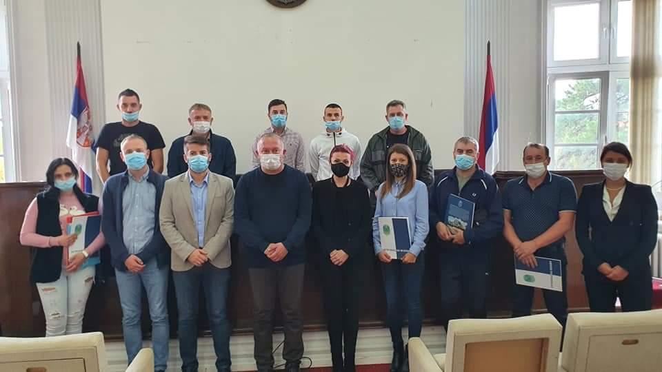 U Petrovcu na Mlavi potpisano 8 subvencija u iznosu od po 250.000 dinara za samozapošljavanje 42876