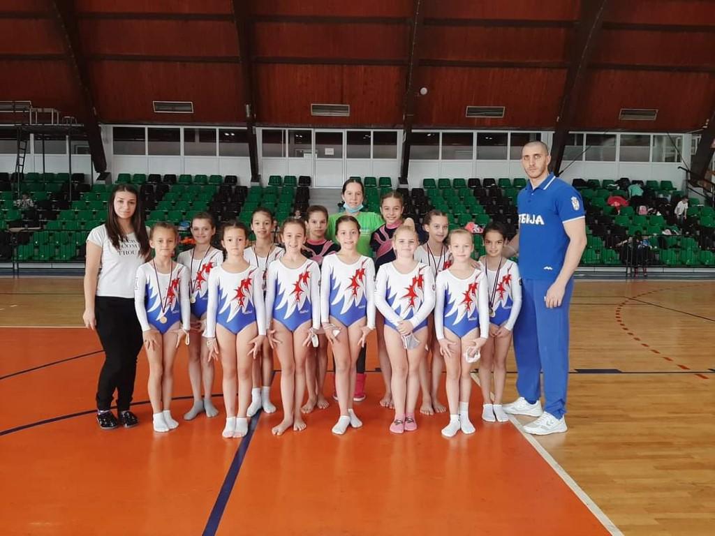 Prvo kolo Pionirske gimnastičke lige u Kostolcu 43141
