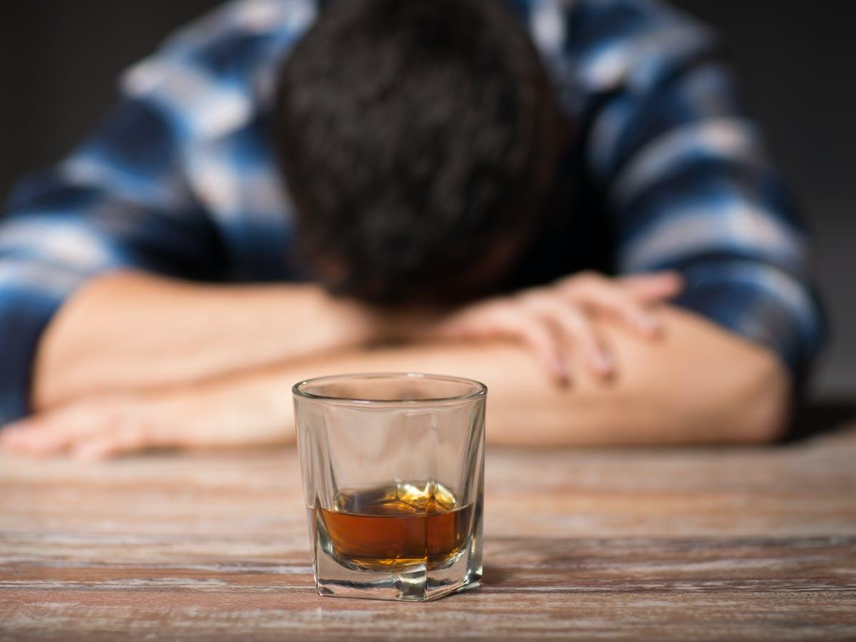 Ovo je najbrži način da izbacite alkohol? 44348