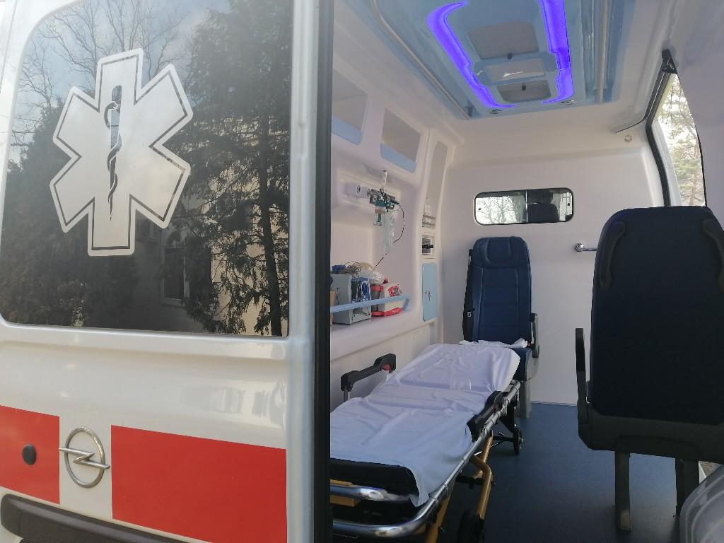Žagubica i Golubac dobili sanitetsko vozilo iz donacije EU 51988